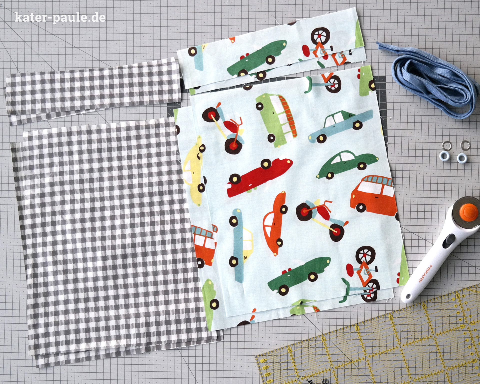 Ein kleiner Turnbeutel für den Kindergarten mit Anleitung Tutorial. Schnell genäht und ein tolles kleines Projekt für Nähanfänger // Stoff: Riley Blake / bunte Ösen: Snaply / Hipsterbeutel / Nähgedöns / Kater Paule